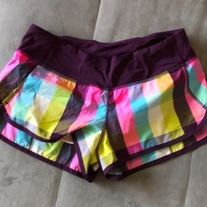 Lululemon rare plaid speed short size 6 Great cond